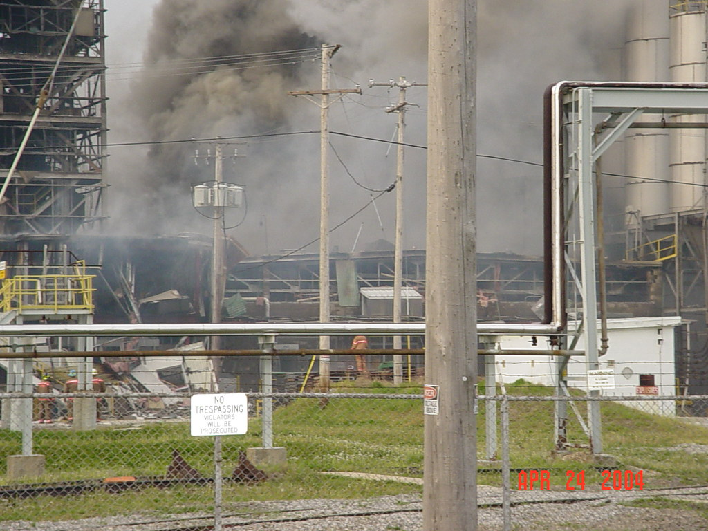 Chemical Plant Explosion In Illiopolis Ongoing Fire At Che Flickr
