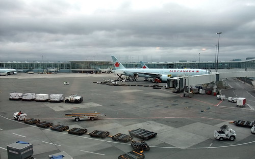 AC Air Canada @ YVR Vancouver Airport | 200V | (^_~) [MARK ...