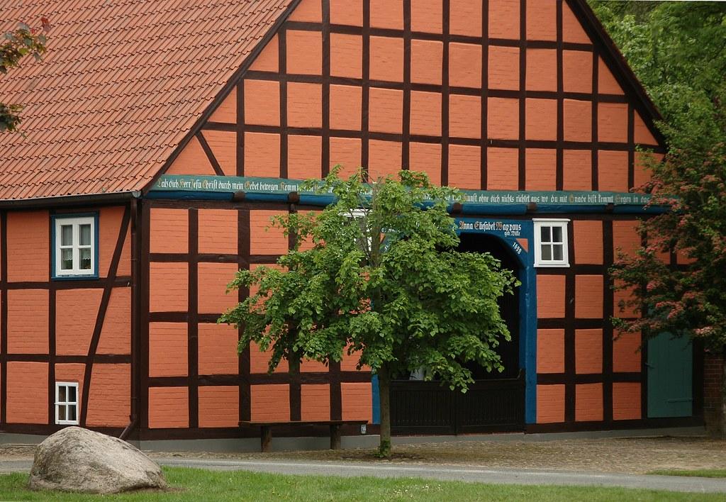Fachwerk im wendland fachwerkgeb ude im rundlingsdorf for Fachwerk 3d
