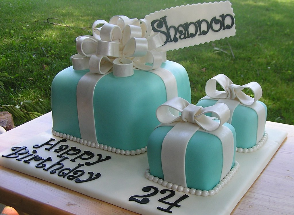 Tiffany box cake Birthday cake ordered by a wonderful lady Flickr