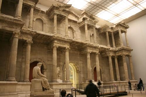 La porta del mercato di mileto al pergamonmuseum berlino - Porta di mileto ...