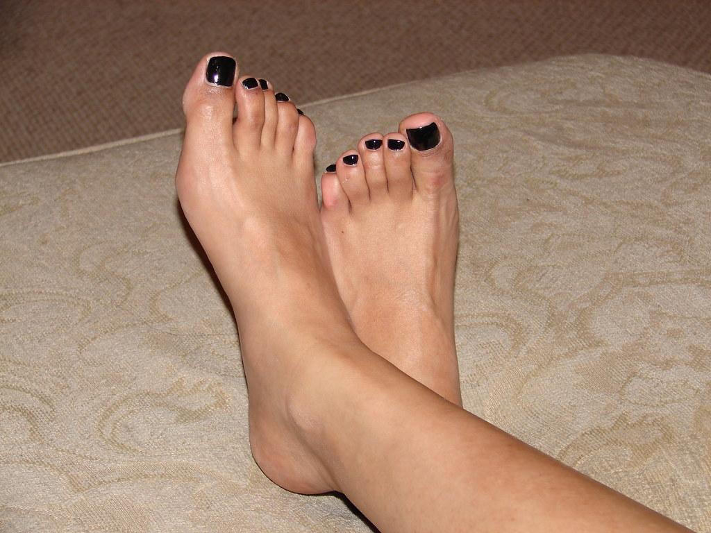 sexiest feet in world