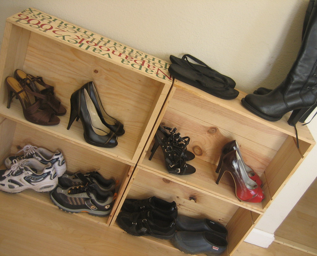 ... wine box shoe shelf | by madeBYwake & wine box shoe shelf | blog post | madeBYwake | Flickr
