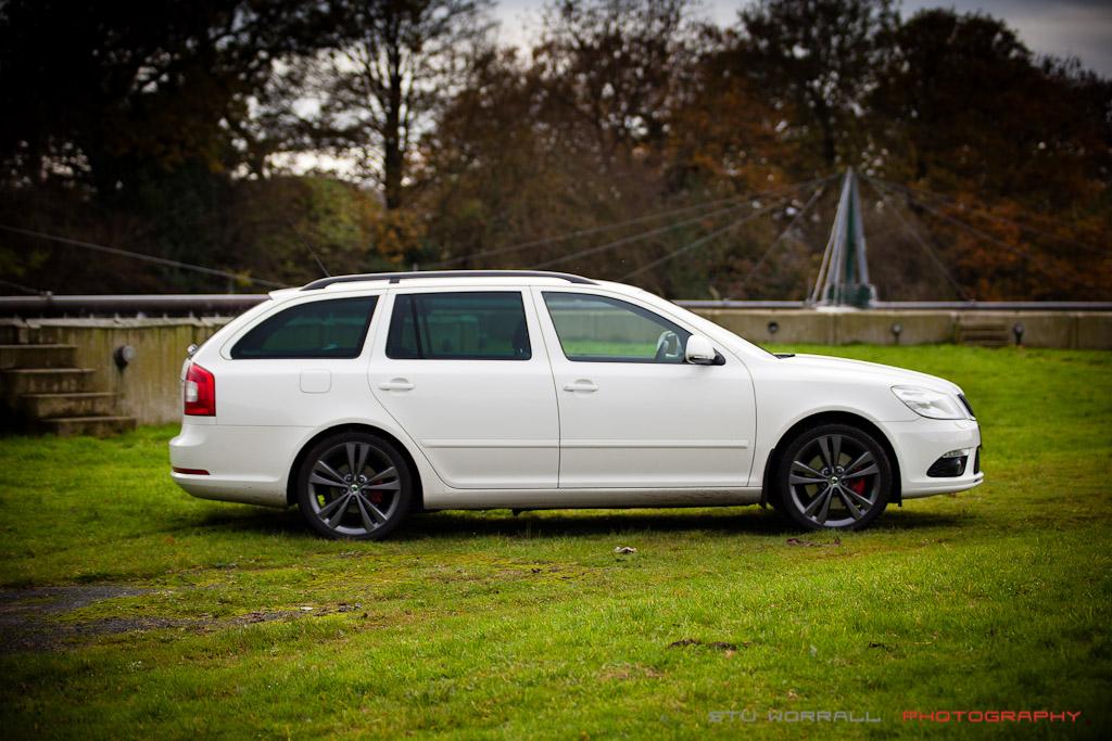 White Skoda Octavia Vrs Fl Anthracite Wheels Stu