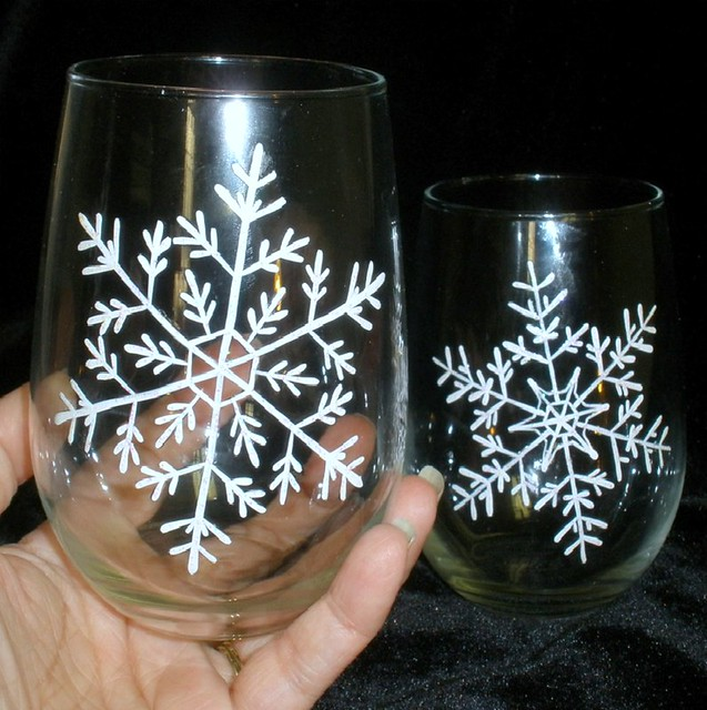 Hand painted snowflake stemless wine glasses winter chri for Painted stemless wine glasses