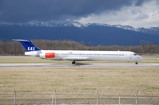 Scandinavian Airlines MD-80; LN-ROX@GVA;24.02.2007/451ds | by Aero Icarus