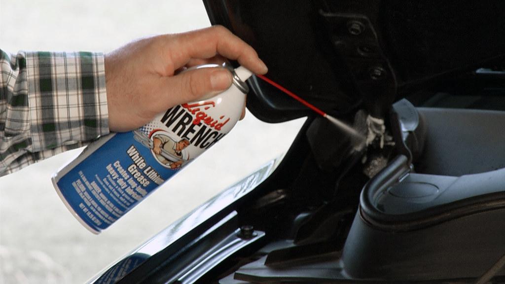Liquid Wrench White Lithium Grease Car Door Hinge Flickr