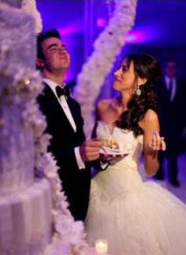 Danielle deleasa wedding dress pictures