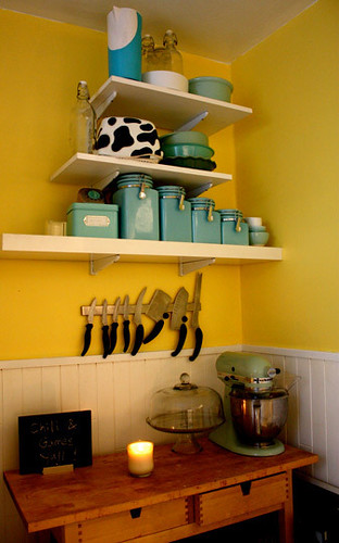 Ideas For Small Spaces Cheery Yellow Kitchen Blue Accen