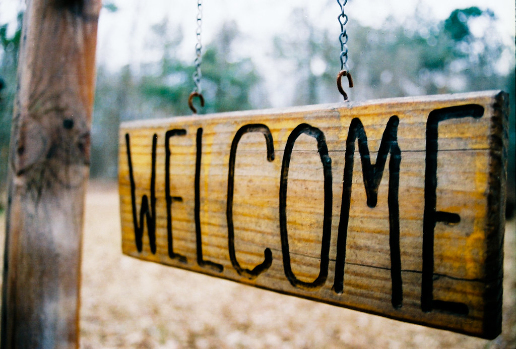 Picture of a welcome sign