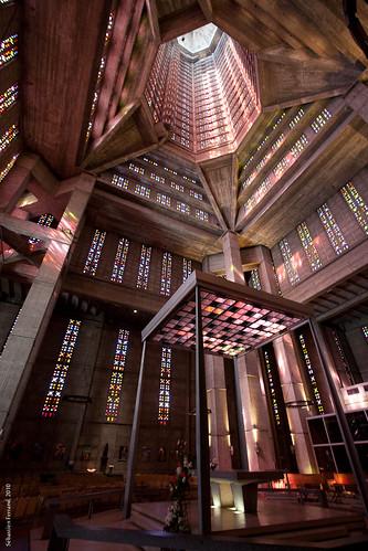 Eglise st joseph le havre vue int rieur de l 39 glise for 3d architecture le havre