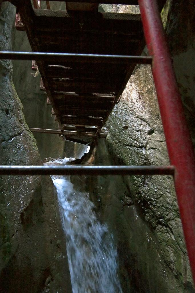 Watching Water Falling Inside The 7 Scari Canyon