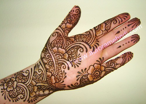 Henna Designs On Palm: Little Something :-) Trying To Play With