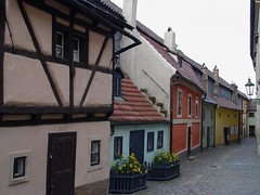 Drop at the Golden Lane – recreational area for Alchemists  - Things to do in Prague