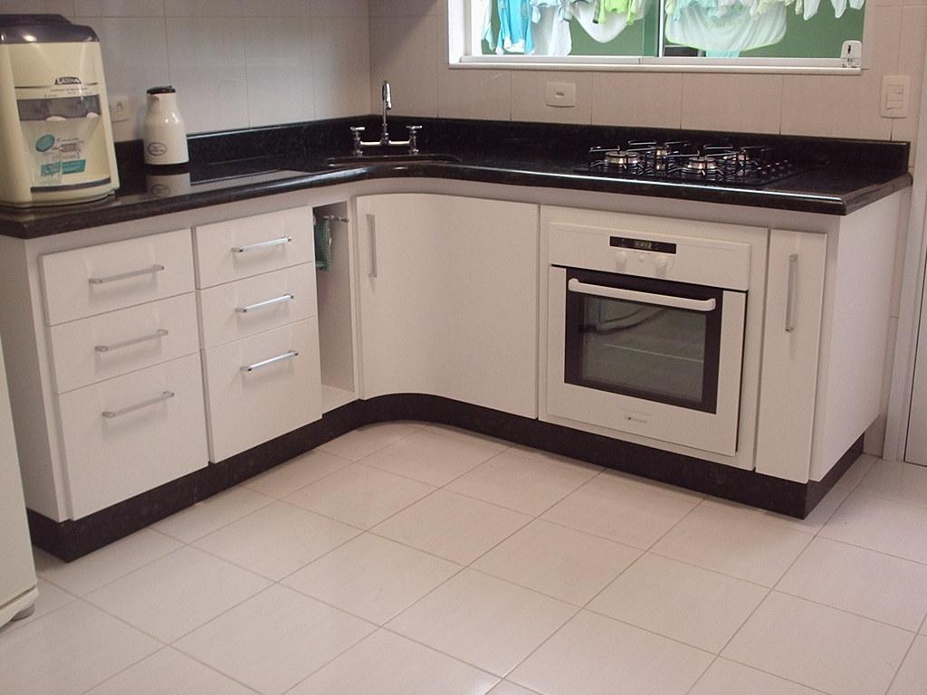 Cozinha com canto aredondado vista 02 Miro Armario Sob Medida  #3D888E 1024 768