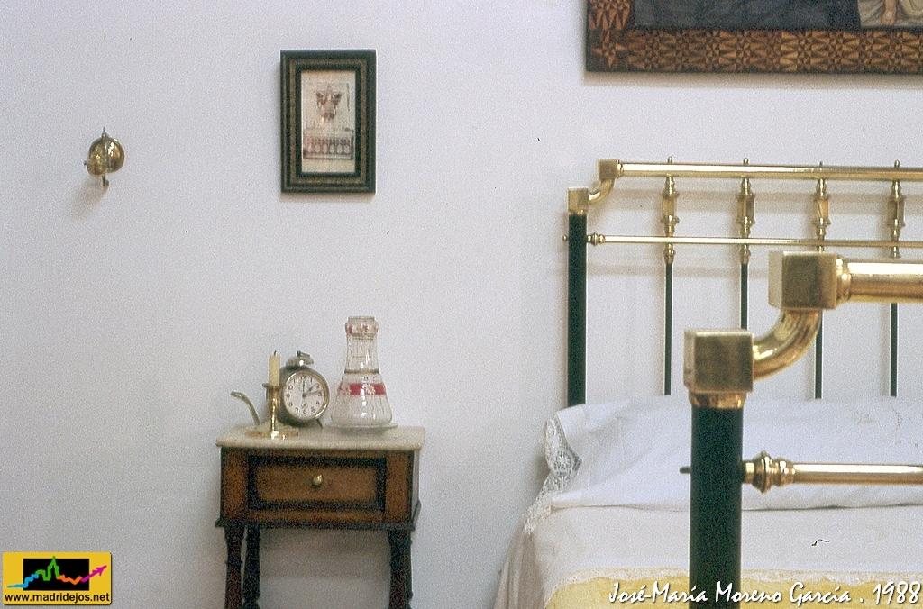 Utensilios muebles y ajuar para la casa exposici n 750 flickr - Muebles jose maria ...