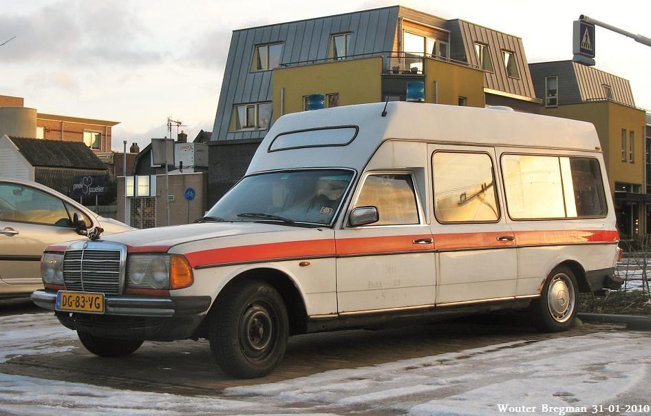 Mercedes W123 250 ambulance 1978 | Wouter Bregman | Flickr