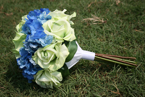 wedding flowers with hydrangeas