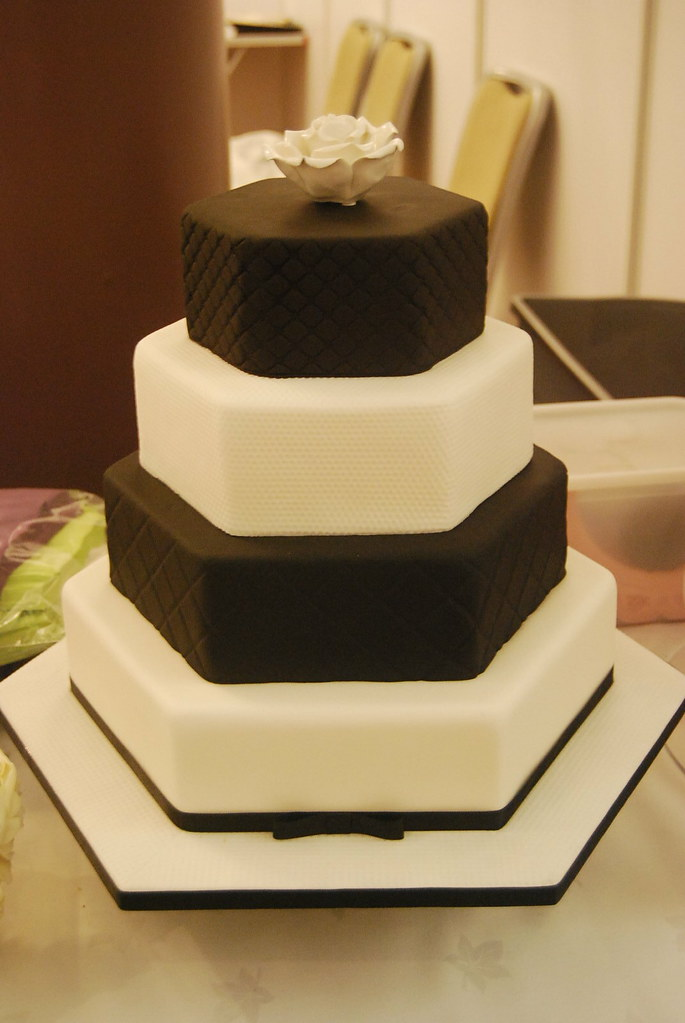 new style of wedding cakes chanel inspired wedding cake a black and white wedding 17809
