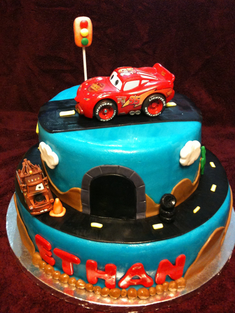 Cake Design Cars Disney : Disney Cars Cake Two Tier Disney Cars Cake with ...