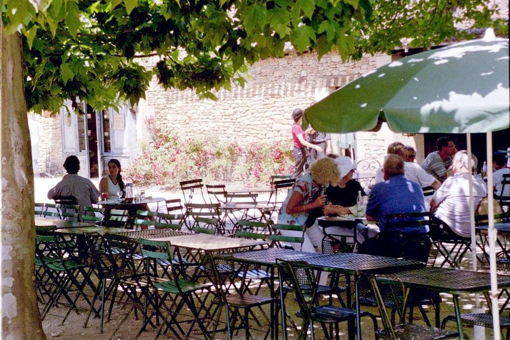 Le Village Cafe Paris