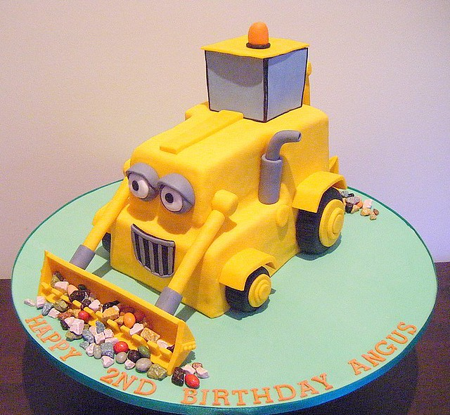 Birthday Cake Ideas Digger : Scoop Digger Cake Scoop 3D digger cake for a 2nd ...
