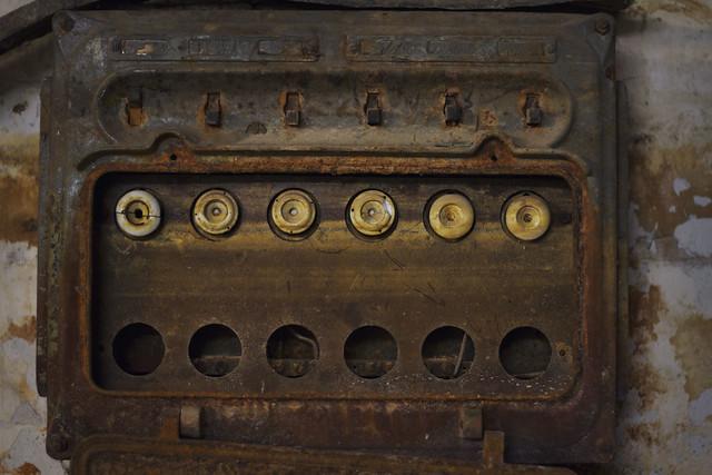 mitsubishi box truck fuse box fuse box closed #12