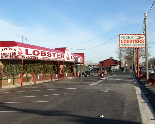 Nick 39 s lobsters restaurant fish market brooklyn new yo for Fish market restaurant nyc