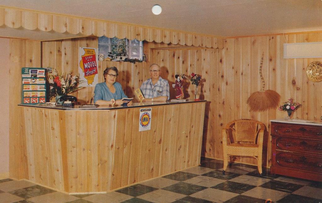 Charnock's Motel - Rochelle, Illinois