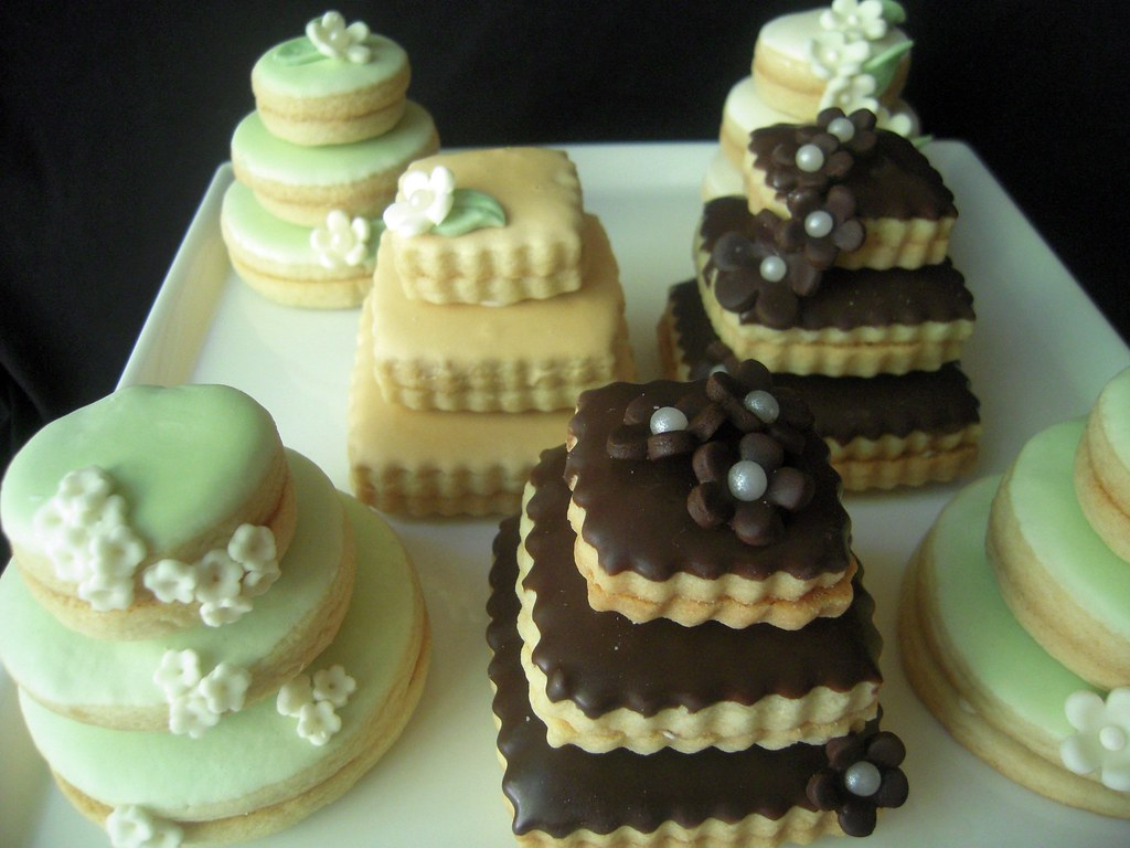stacked wedding cake cookie favors wedding cake cookies mini wedding cakes stacked butter 20462