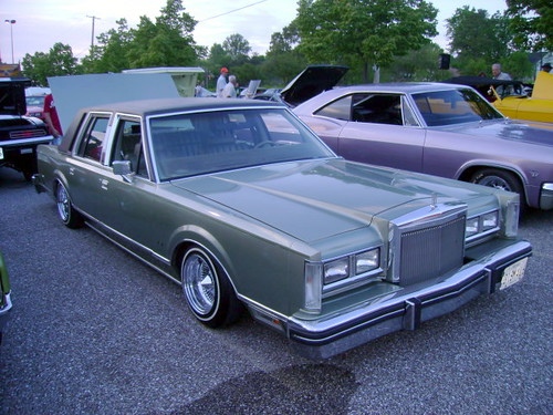 1984 Lincoln Town Car Lost In The 50s Cruise Night At