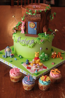 Winnie the Pooh and friends cake with matching cuppies | by Andrea's SweetCakes