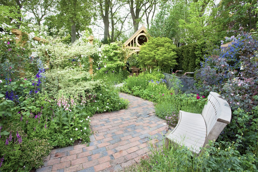 Chelsea 2010 - The M&G Garden | Designer - Roger Platts © Al… | Flickr