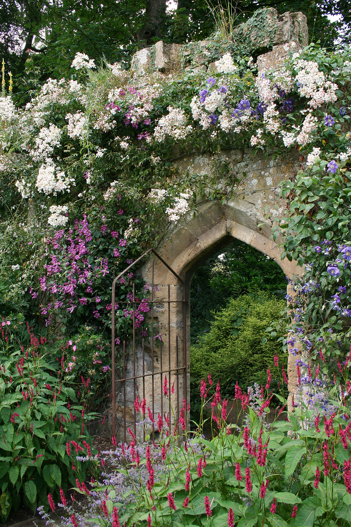 Sudeley castle gardens lindsey renton flickr for English garden wall mural