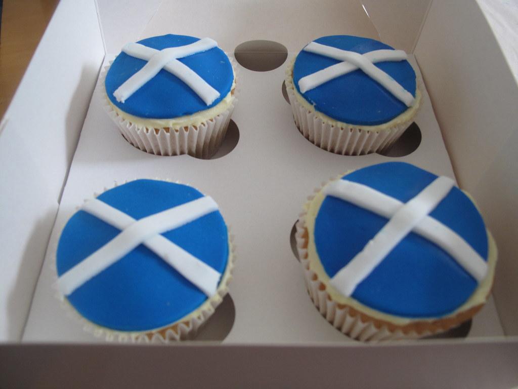 scottish flag cupcakes sadie mccluskey flickr