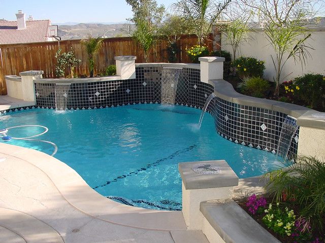 Swimming Pool With Dark Tile Accents Custom Swimming Pool Flickr