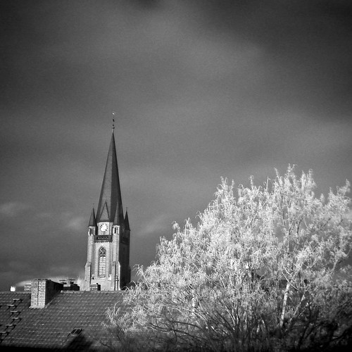 Infrared Neighbourhood | by bogenfreund