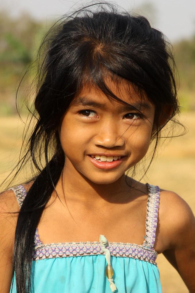 Cambodian girl | www.guybrownphotography.com www.facebook