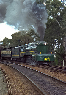 Streamlined 520 full steam ahead in the Adelaide Hills | by railfan3