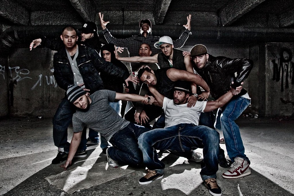 Pro Phenomen - Hip Hop Dance Group | Two bare SB26 (1/16t ...