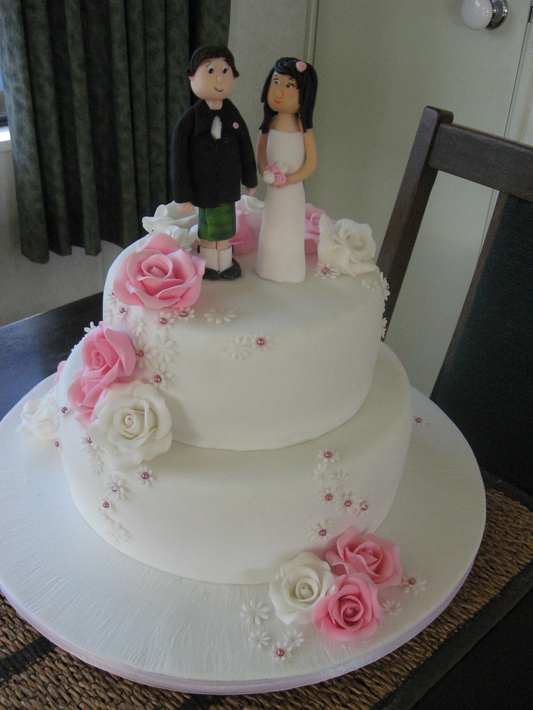 2 tier pink and white wedding cakes pink and white roses wedding cake 2 tier wedding cake 10133