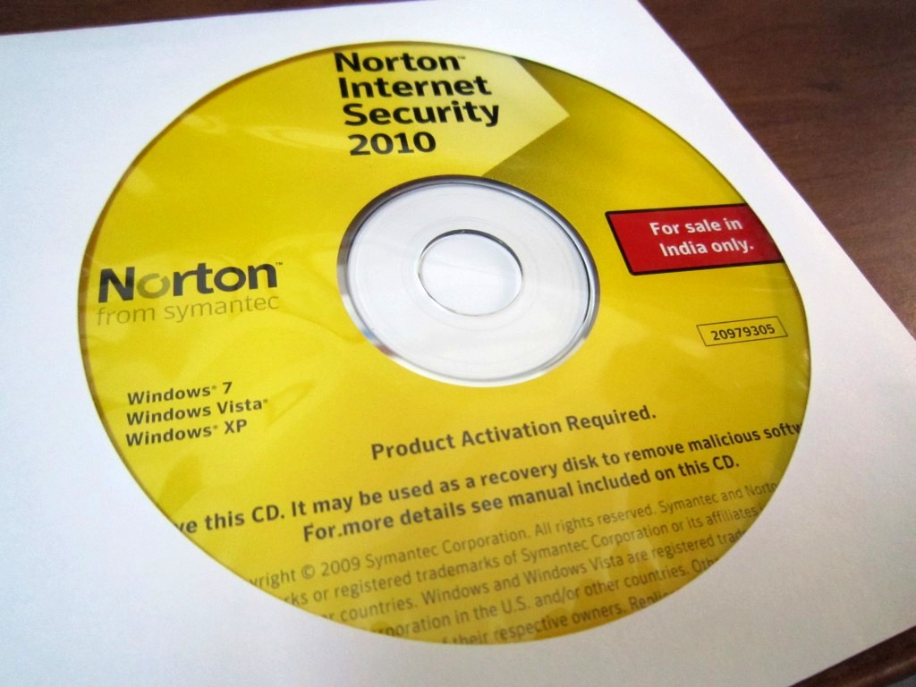 Norton Security Deluxe - 3 Device & Norton Utilities - 3 PC (Download Code) Product - Symantec Norton Internet Security - 3 Computers, 1 Year Subscription (PC) Product Image.