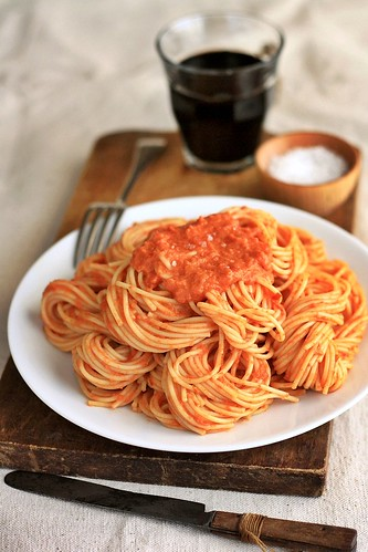 Spaghetti with Tomato Vodka Cream Sauce | by Xiaolu // 6 Bittersweets