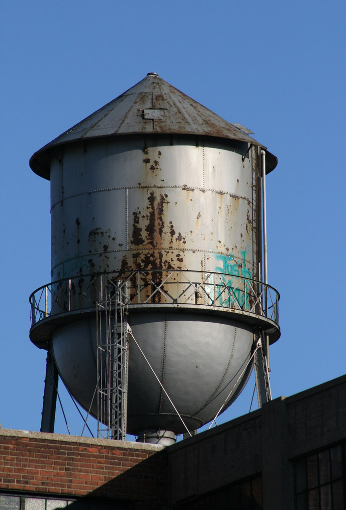 Steel Water Tower: Detroit Mi | Old cone style water tower ...