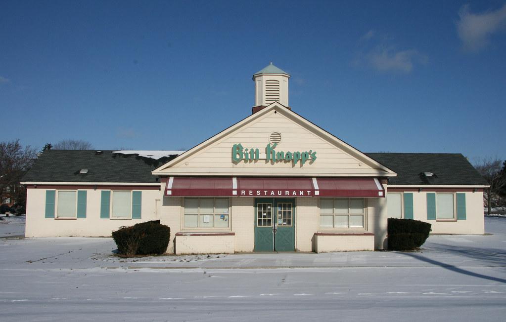 1948 : The First Bill Knapp's Restaurant Opens in Battle Creek