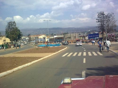 Centre ville de bukavu radio okapi flickr for Centre de la nature piscine
