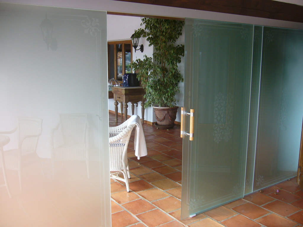 Puerta corredera de vidrio templado puerta de terraza for Puerta cristal templado