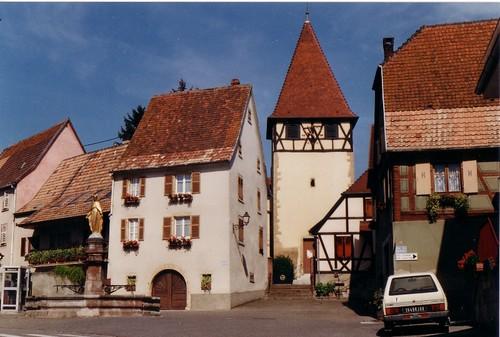 Obermorschwihr ce village se niche au pied des collines so flickr - Office de tourisme eguisheim ...