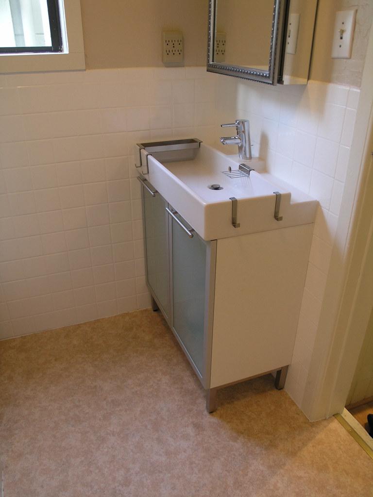ikea sink cabinet, kohler medicine cabinet, grohe faucet | Flickr
