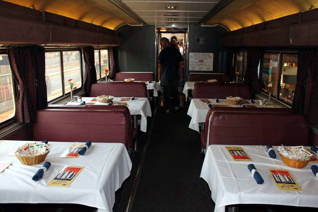 amtrak dining
